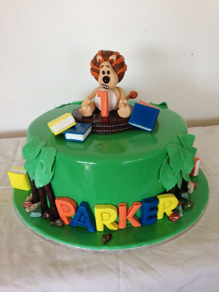 Story time themed cake
