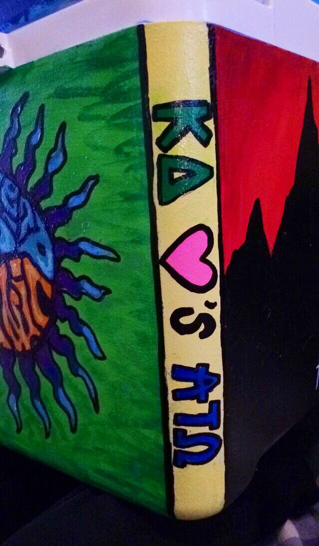KD loves ATO fraternity painted cooler. ATO formal 2015 Nola (trink)