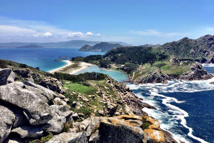 The Cíes Islands - Galicia, Spain ...  the three Cíes islands of Monteagudo, San Martiño and Faro, have the nickname of the Maldives or Seychelles of Spain, because of their paradise white beaches and turquoise waters. The islands face the town of Vigo on the mainland coast, and form part of the Isla Atlánticas National Park.