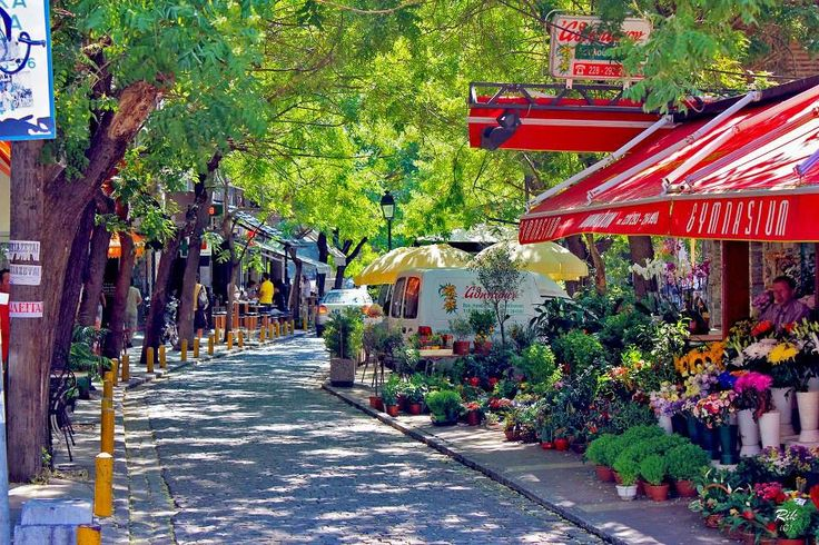 Louloudadika (The Flower Shop area) in Thessaloniki