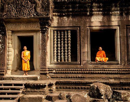 Dette er det ultimative Cambodia eventyr. Denne rundrejse går i dybden og udforsker kulturen, historien, naturen og den fantastiske, unikke arkitektur. I vil opleve lokal befolkningen, deres skikke, traditioner og religion, besøge alle de kendte og ukendte seværdigheder og historiske steder i dette dejlige land. Turen er et overflødighedshorn af store autentiske oplevelser og en af de rejser man måske kun gør en gang i livet, men som forbliver i ens erindring for evigt.
