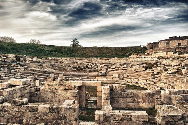 Α' Αρχαίο Θέατρο Λάρισας (image source: http://www.flickr.com/photos/fokionas/)