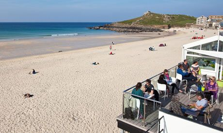 Top 10 budget restaurants on the north Cornwall coast The north coast of Cornwall offers the county's classic – clotted cream teas and delicious pasties – but also tapas, exceptional coffee and gourmet burgers, often served with a fantastic sea view. We pick the best places to eat for under £10