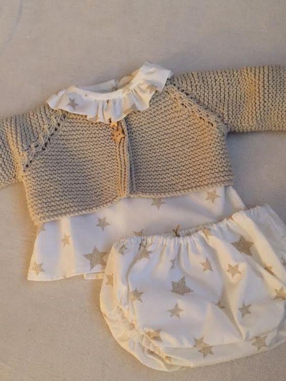 Little John-Hecho a mano: Conjunto camisa volantes + cubrepañal de estrellas con chaqueta a juego.
