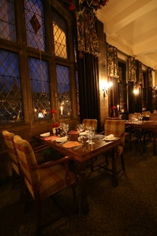 The George Hotel: Lovely Stamford hotel and former coaching-inn - great for afternoon tea. Pleasent court-yard for the summer months too. http://www.georgehotelofstamford.com