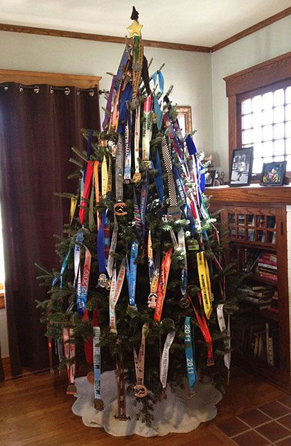 Running medals Christmas tree! Great idea for a runner!