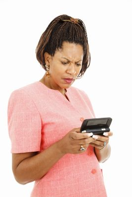 """Doing the least, to get the most!!!""  Why Do Guys Send Text Messages To Keep In Touch While Dating?"