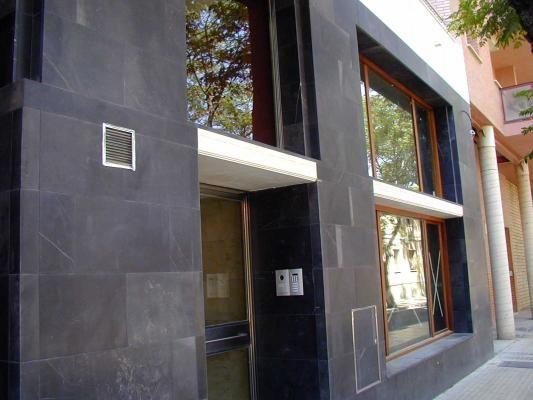 Fachada en piedra negra anticnovo fachadas pinterest - Piedra fachada exterior ...
