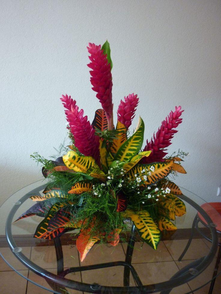 centros de mesa con flores tropicales - Buscar con Google