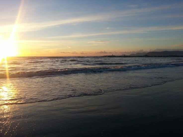 Finalmente il mare! Tramonto d'inverno sul mare della Toscana