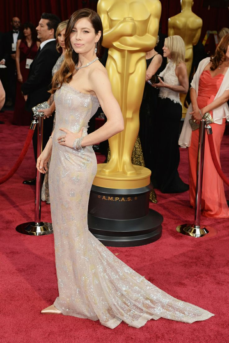 Jessica Biel in Chanel Haute Couture with Tiffany & Co. jewels #Oscars