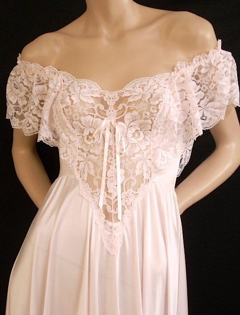 Olga Romantic Pink Ruffle Lace Nightgown & Robe Set ~ Small at Heavenly Vintage Lingerie