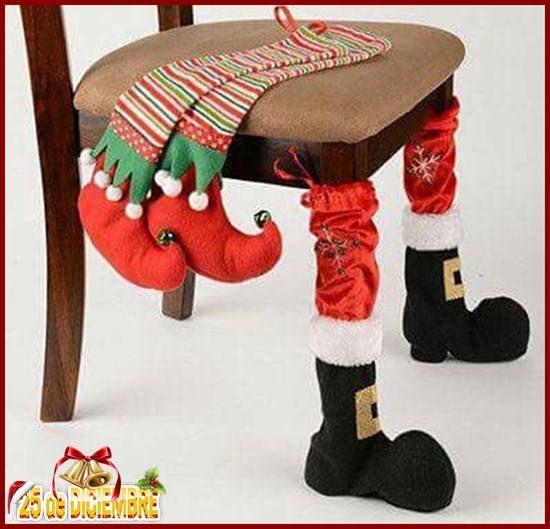 Una novedosa idea que compartieron nuestras amigas de Manisales-Colombia, te la traemos hoy... Qué tal si cubrimos las patas de las sillas navideñas con es