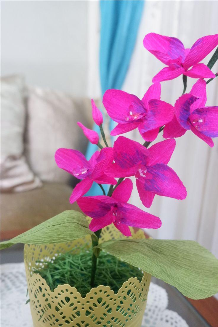 Purple phalaenopsis by Baby Blossom Instagram @bungakertas_jakarta Personal IG @sheilasicilia #crepepaperflower #italiancrepe