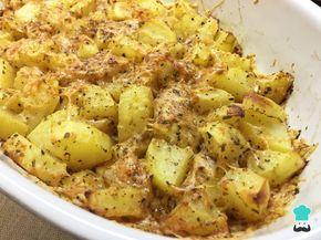 Aprende a preparar patatas al horno con queso y mantequilla con esta rica y fácil receta. Si no sabes qué preparar para acompañar tu comida favorita, ¡toma nota de...