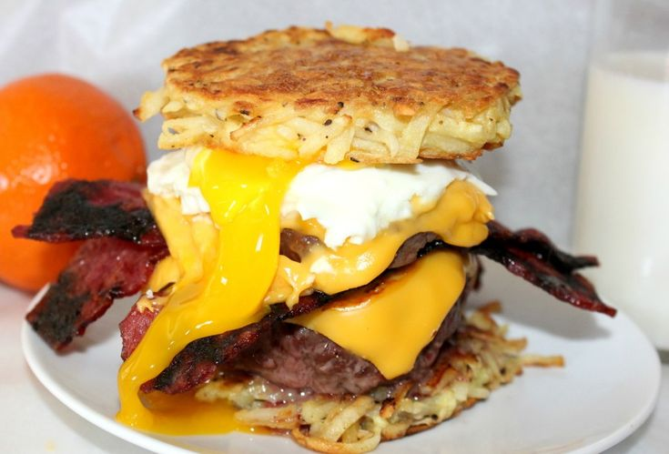 OH yeahhhh! Breakfast Burger with Hash Brown Buns!