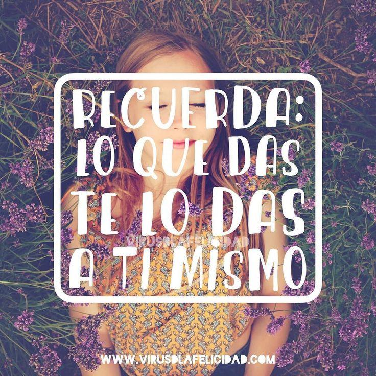 #Repost @virusdlafelicidad with @repostapp. Recuerda: lo que das te lo das a ti mismo. www.virusdlafelicidad.com #virusdlafelicidad #dar #generosidad #reflejo #universo #lda #pensamiento #frase #buenosdias #ucdm