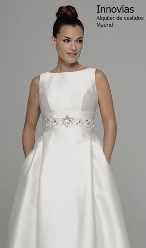vestido corte princesa con corte imperio sin mangas y falda medida