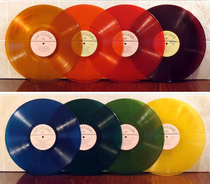 Цветные виниловые пластинки, выпускавшиеся на Апрелевском заводе с 1950-х годов. Расцвет производства пришёлся на 1970–1980-е годы.
