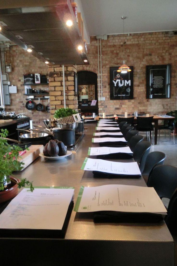 Restaurant table setting ideas - Best 25 Restaurant Kitchen Design Ideas On Pinterest Restaurant Kitchen Open Kitchen Restaurant And Commercial Kitchen Design
