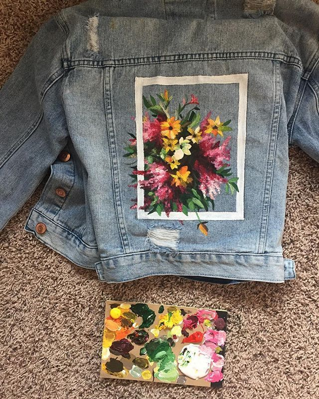 aesthe1975tics - Dana: The design for the jacket that's in the giveaway! This took me barely 3 hours to paint, but I'm still pretty proud of it. The collars also have flowers on them, as well as the sleeve and The 1975 logo is on one of the front pockets. I used acrylic paint and sprayed it with weather-proof spay that will protect it from rain | www.thevisualtailor.com