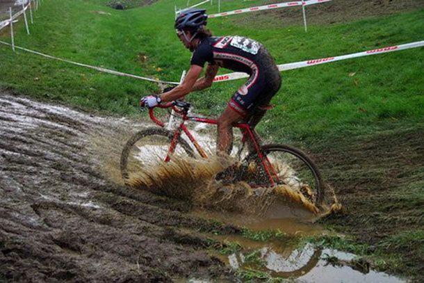 Cyclocross (veldrijden) seizoen is al weer begonnen…, doe ook eens gek! – Racefietsblog.nl