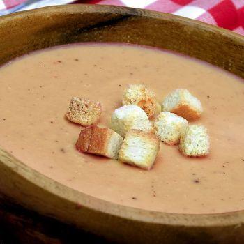 Κρεμώδης σούπα με κόκκινες φακές