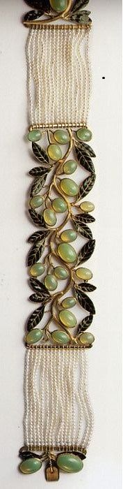 Lalique pearl colllier. The center panel depicts olives, c. 1904.