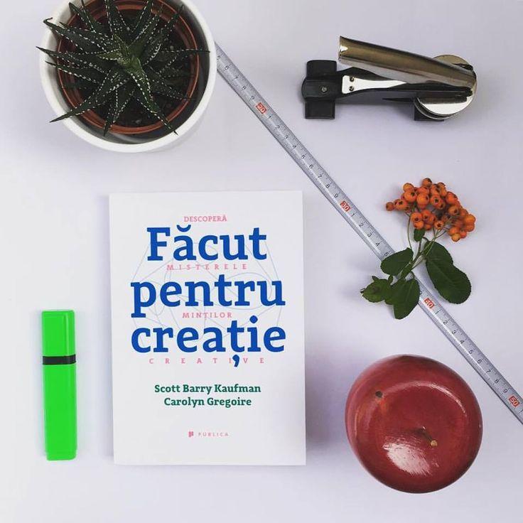 """O carte a cărei lectură te va face mai creativ/-ă! Dr. Scott Barry Kaufman și jurnalista Carolyn Gregoire detaliază în """"Făcut pentru creație"""" cele 10 lucruri pe care oamenii creativi pe fac altfel: joaca imaginativă, deschiderea spre experiențe noi, transformarea dezavantajelor în avantaje; restul, în carte :) #wiredtocreate #creativitate #psihologiaCreativitatii #editurapublica"""
