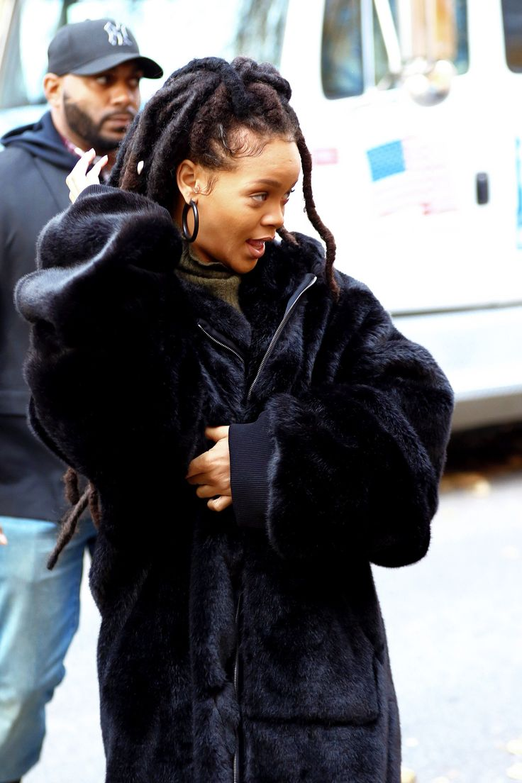 "rihannainfinity: ""  November 10: Rihanna on set of 'Ocean's Eight' movie in NYC. """
