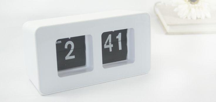 INFMETRY:: Black Eyes Flip Alarm Clock
