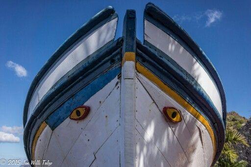Smile boat