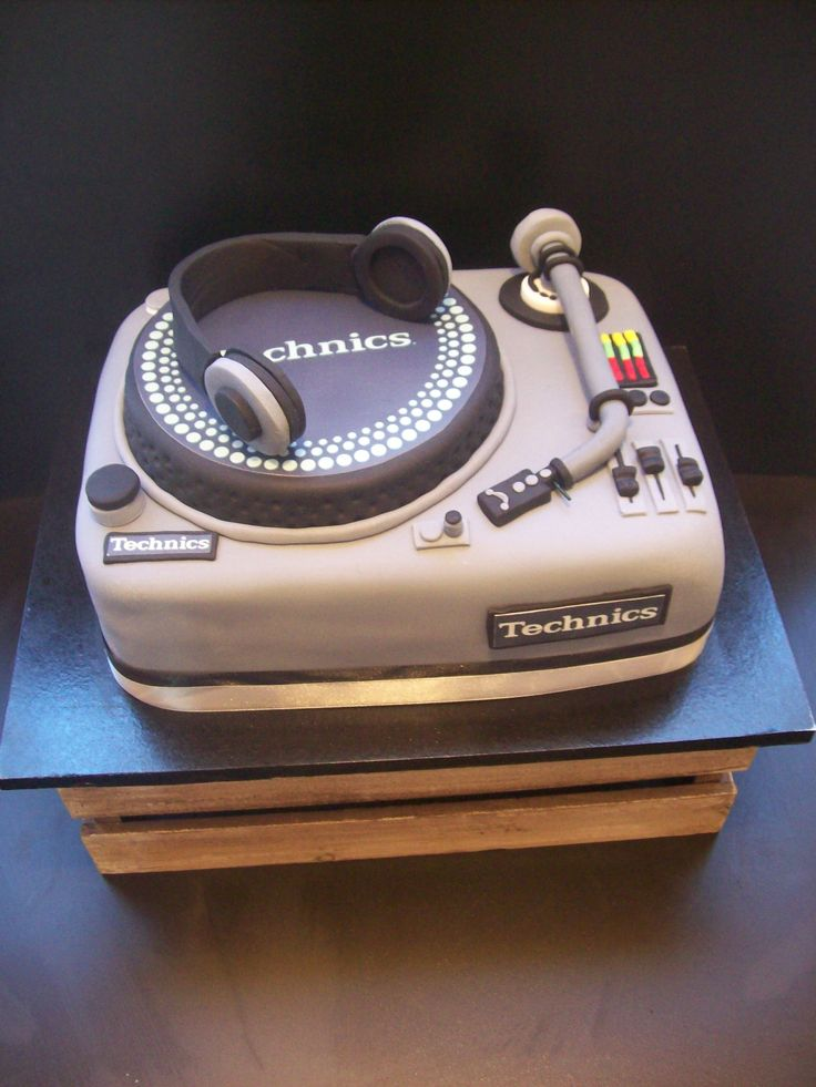 1000 Ideas About Dj Cake On Pinterest Drum Cake Dirt