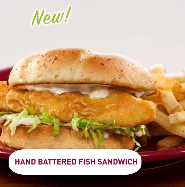Nuevo Hand Battered Fish Sandwich? Delicioso sandwich de Tilapia frita y rebosada con lechuga en nuestro espectacular pan con salsa tártara, por supuesto acompañado de Papas fritas. $7990.-