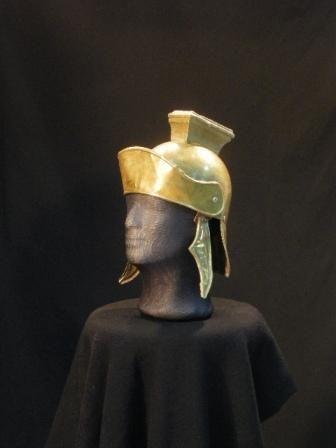 Casco romano. Antigüedad hombre #vestuario