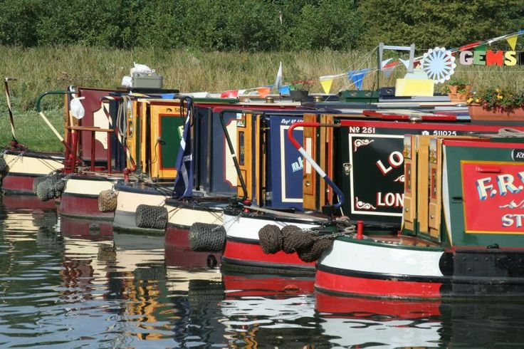More lovely Narrowboats :-)