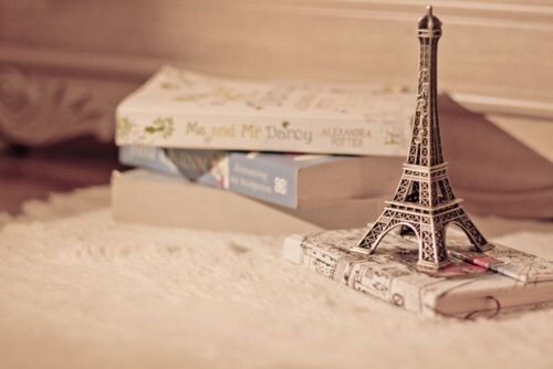 Image via We Heart It https://weheartit.com/entry/171699928 #beauty #bonjour #books #cute #diary #Dream #effieltower #flawless #french #girly #glamour #love #luxury #notebook #paris #perfect #photograph #pink #travel #tumblr #vintage #wanderlust #white #allovertheworld