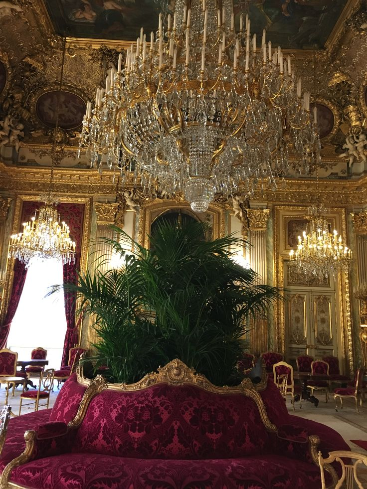 Room in Napoleon lll apt.