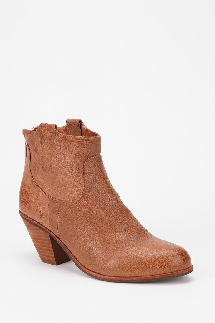 Sam Edelman Lisle Ankle Boot Online Only: Edelman Lisl, Sam Edelman, Lisl Ankle, Boots Online, Clothing Hair Junkie, Ankle Boots, Only Urban Outfitters, Online Only Urban, Boots Urbanoutfitt