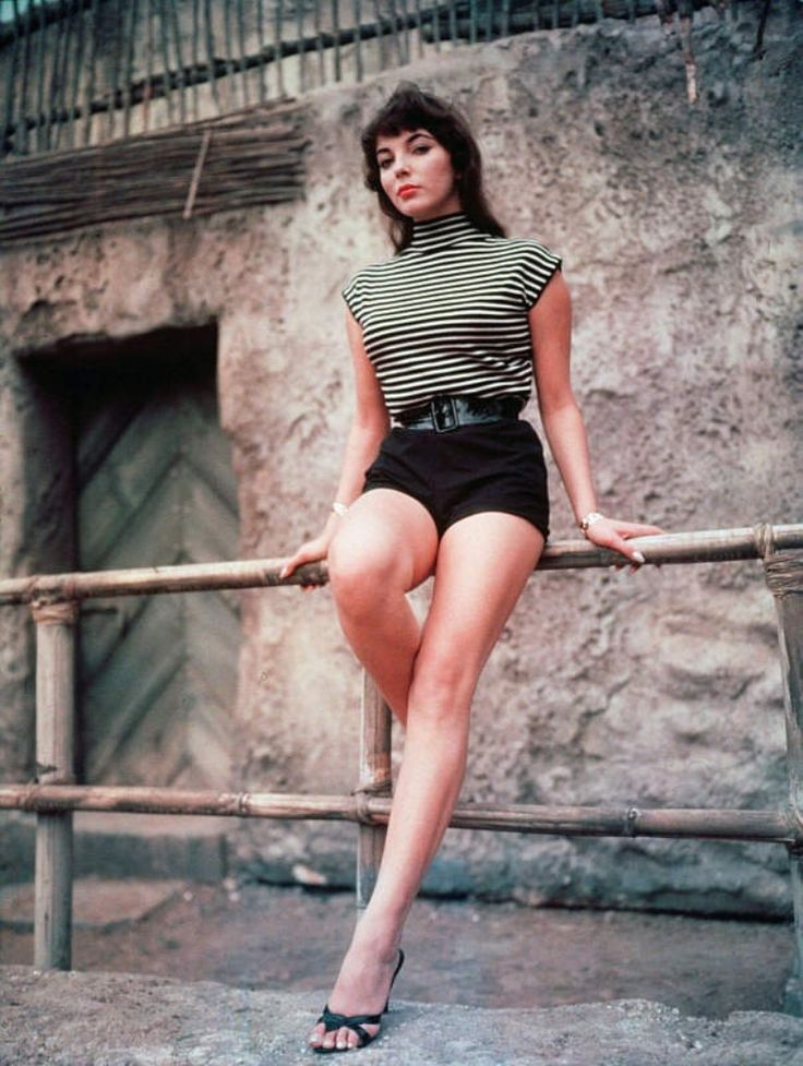 Fashion 1950s - Joan Collins