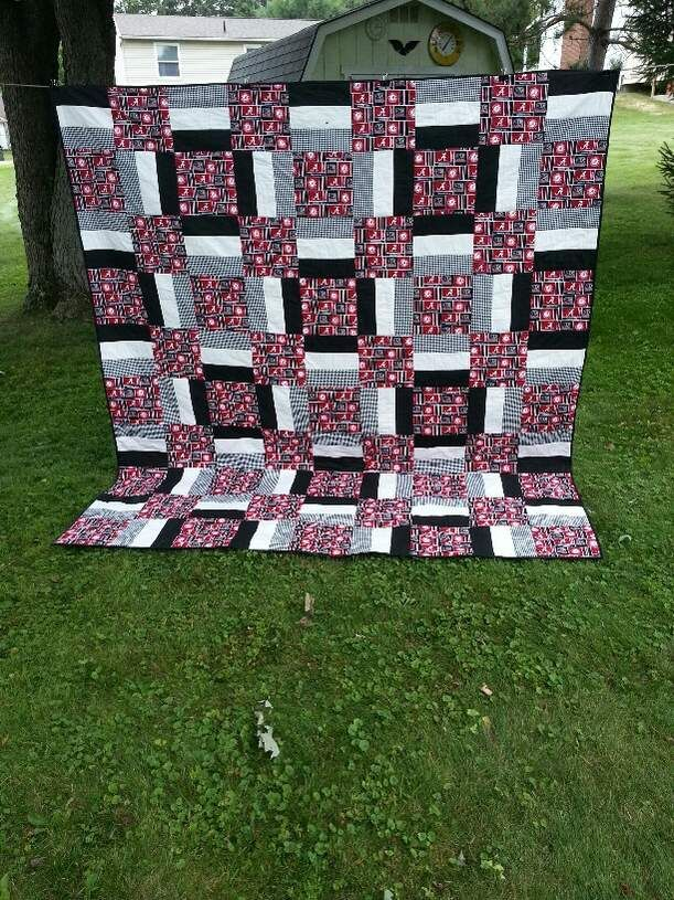 Quilt Patterns For Sports : 83754d1406741531-need-ideas-sports-football-theme-quilt-al-3.jpg 611x815 pixels Quilts ...