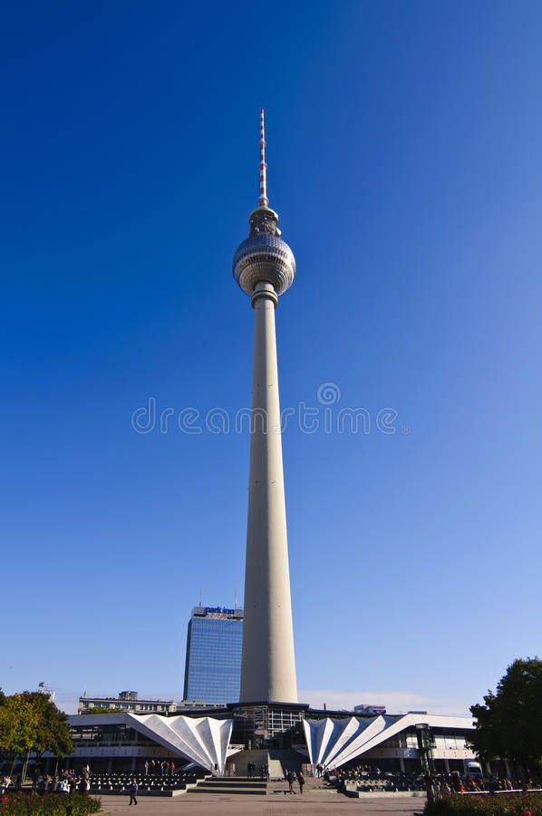 Alexanderplatz In Berlin Alexanderplatz With Tv Tower In The Eastern Part Of Be Sponsored Tv Berlin Alexanderplatz Berlin Image Modern Graphic Design