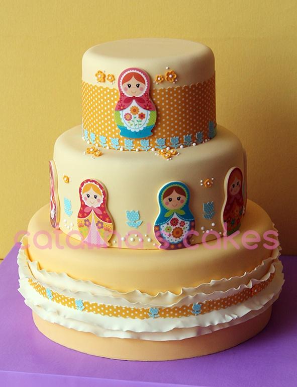 Matrioskas cake for my sister's 19th birthday!! More pics: www.catalinaysacarina.com ^_^