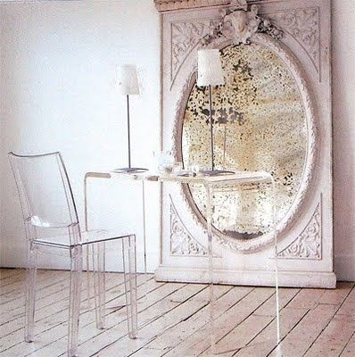 I'm glad the furniture is see through so you can get a look at that mirror. I want it!