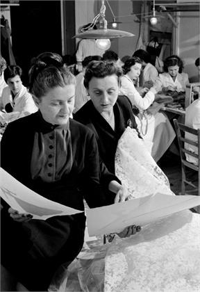 Zoe e Micol Fontana  Roma, Italia, marzo 1956  © Bettmann/CORBIS