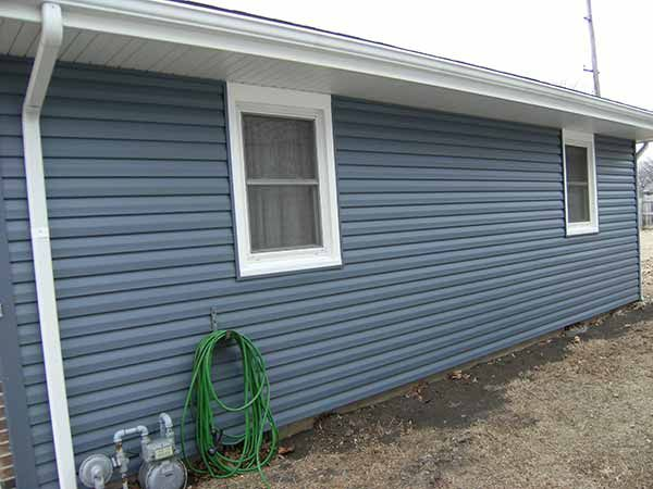Types Of Vinyl Siding 8 Styles To Choose From 16 Photos Siding Authority Exterior House Colors Vinyl Siding Styles Siding Styles