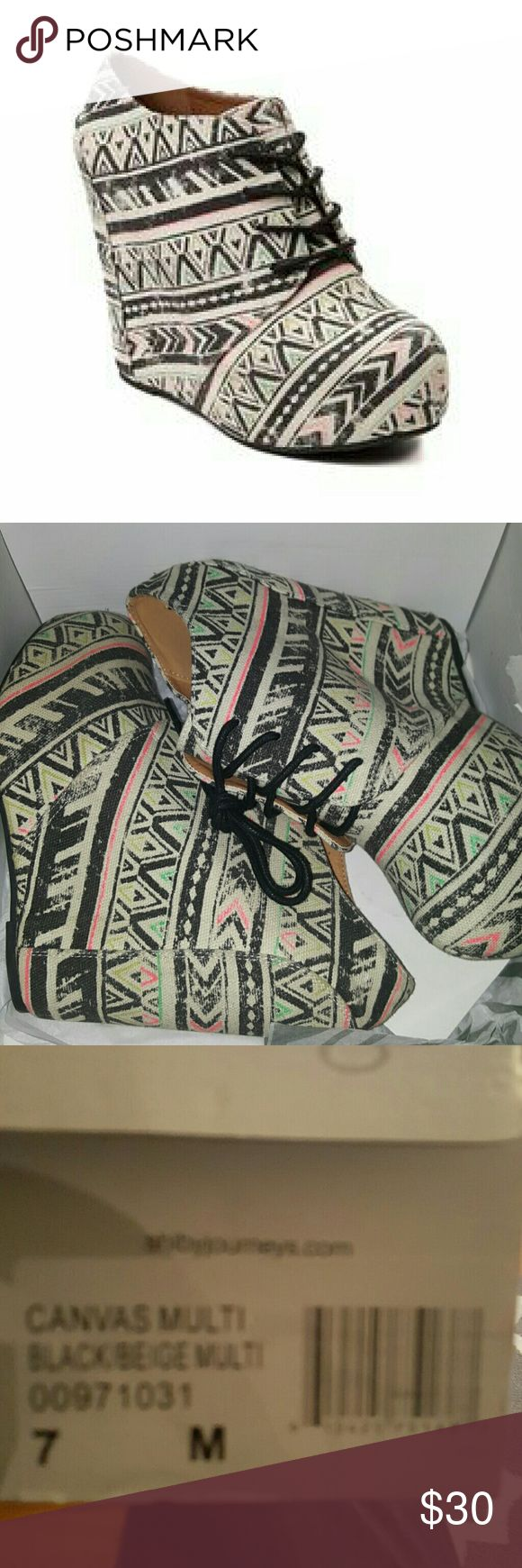 shi by Journeys Canvas Multi black beige Wedges New in box shi by Journeys  Shoes Wedges