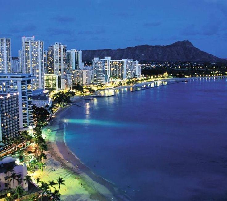 ハワイといえばオアフ島のワイキキにホノルル?いえいえ、ハワイには8つの島と100以上の小島があるんです。島ごとに違う自然が広がり、住む人々の個性も歴史も異なります。 ビーチとショッピングだけじゃない、その素晴らしさは想像以上!まずは注目の6島の魅力をチェック。その後、診断コンテンツであなたにぴったりの島に出会ってください♪...