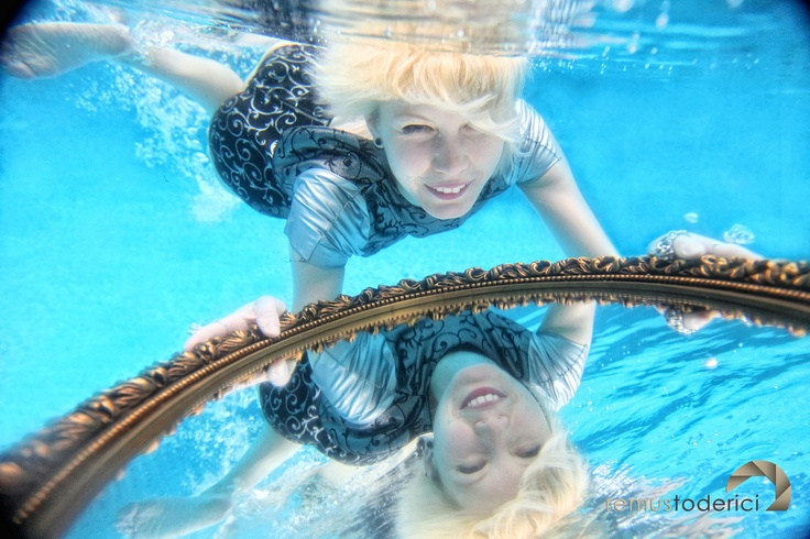 underwater photo sesion for jewels