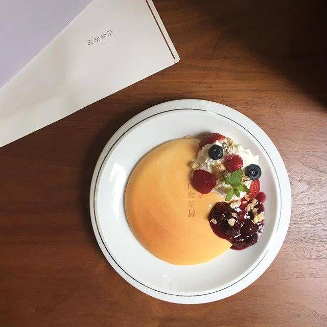 赤い果実とマスカルポーネのパンケーキ